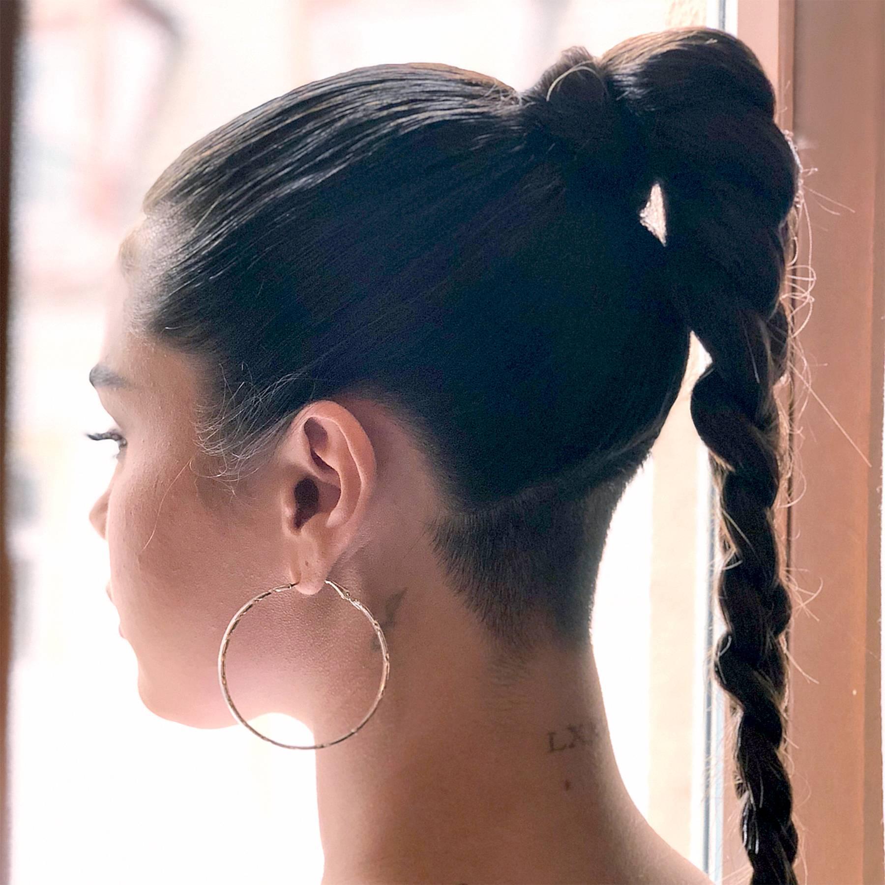 Selena Gomez cũng từng mê mẩn kiểu tóc undercut cạo sau gáy này