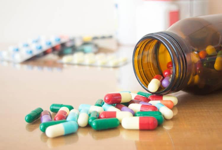 Một số loại thuốc có tác dụng phụ gây rụng tóc