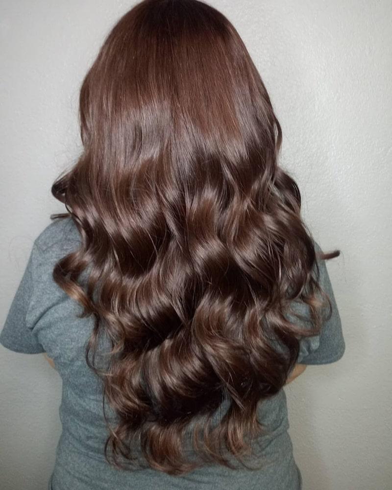 Để giữ màu tóc nâu socola lâu hơn đừng quên chi tiết này