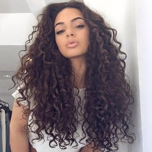 Một mái tóc dài nâu uốn xoăn lạnh tuyệt vời