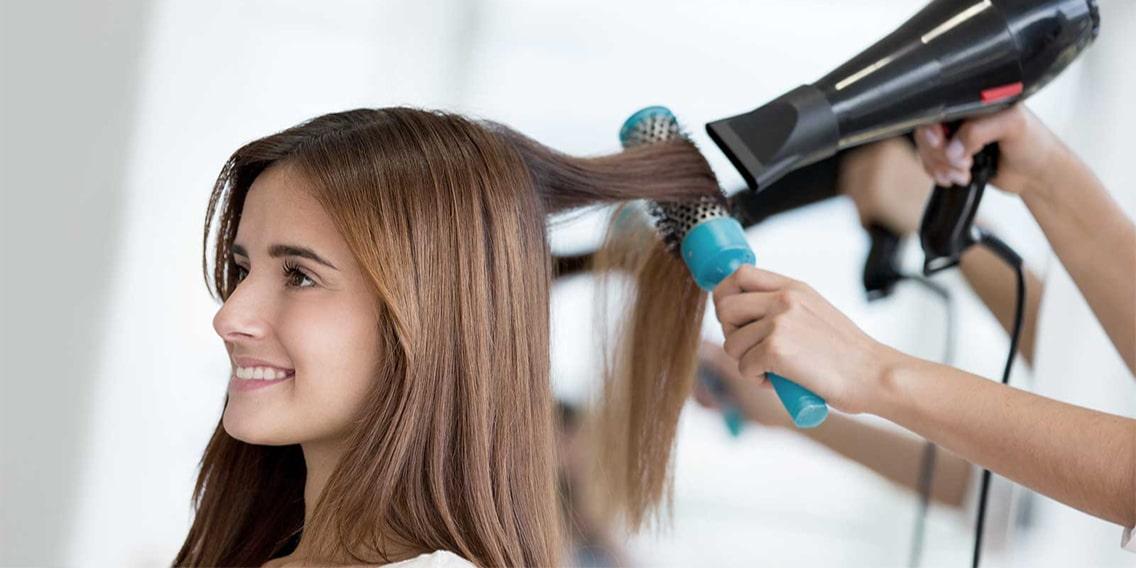 Không nên liên tục làm nóng tóc để tạo kiểu quá 1 lần/ tuần