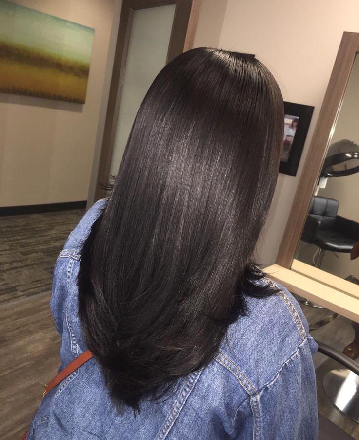 Mái tóc thẳng giúp phái nữ dịu dàng và cuốn hút hơn