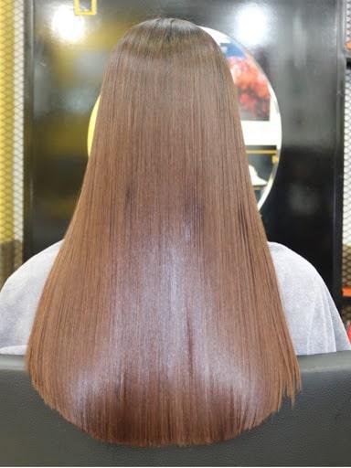 Duỗi tóc đẹp chỉ với 3 bước đơn giản tại nhà