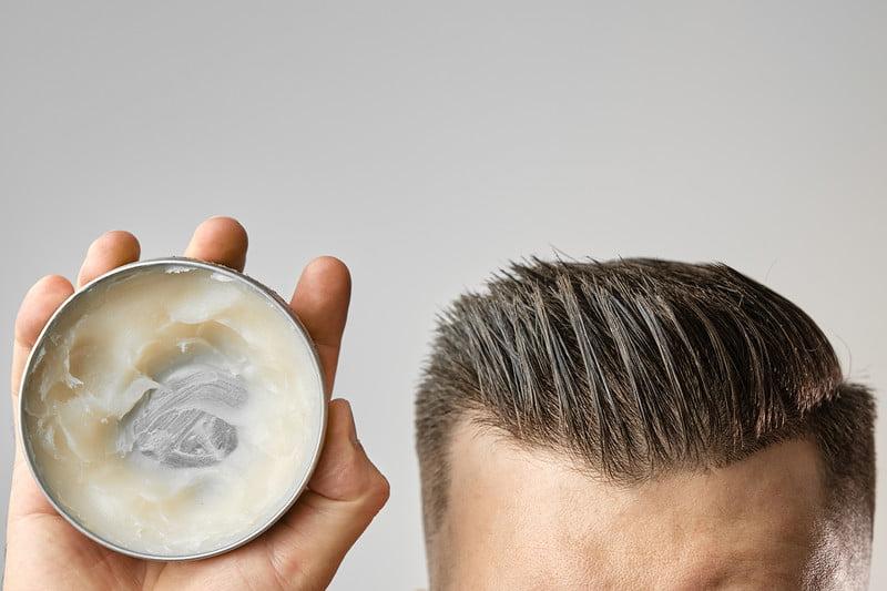 Cách sử dụng keo tạo kiểu tóc chuẩn