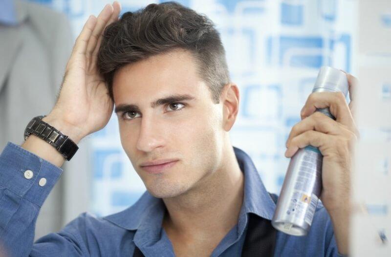 Keo tạo kiểu là dụng cụ giúp định hình nếp tóc cho nam giới