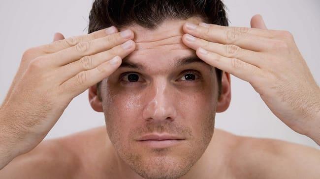Da khô có hiện tượng xuất hiện nếp nhăn nhanh hơn