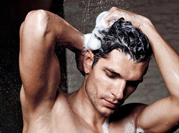 Gội đầu ít thường xuyên hơn để tóc có độ bồng bềnh tự nhiên