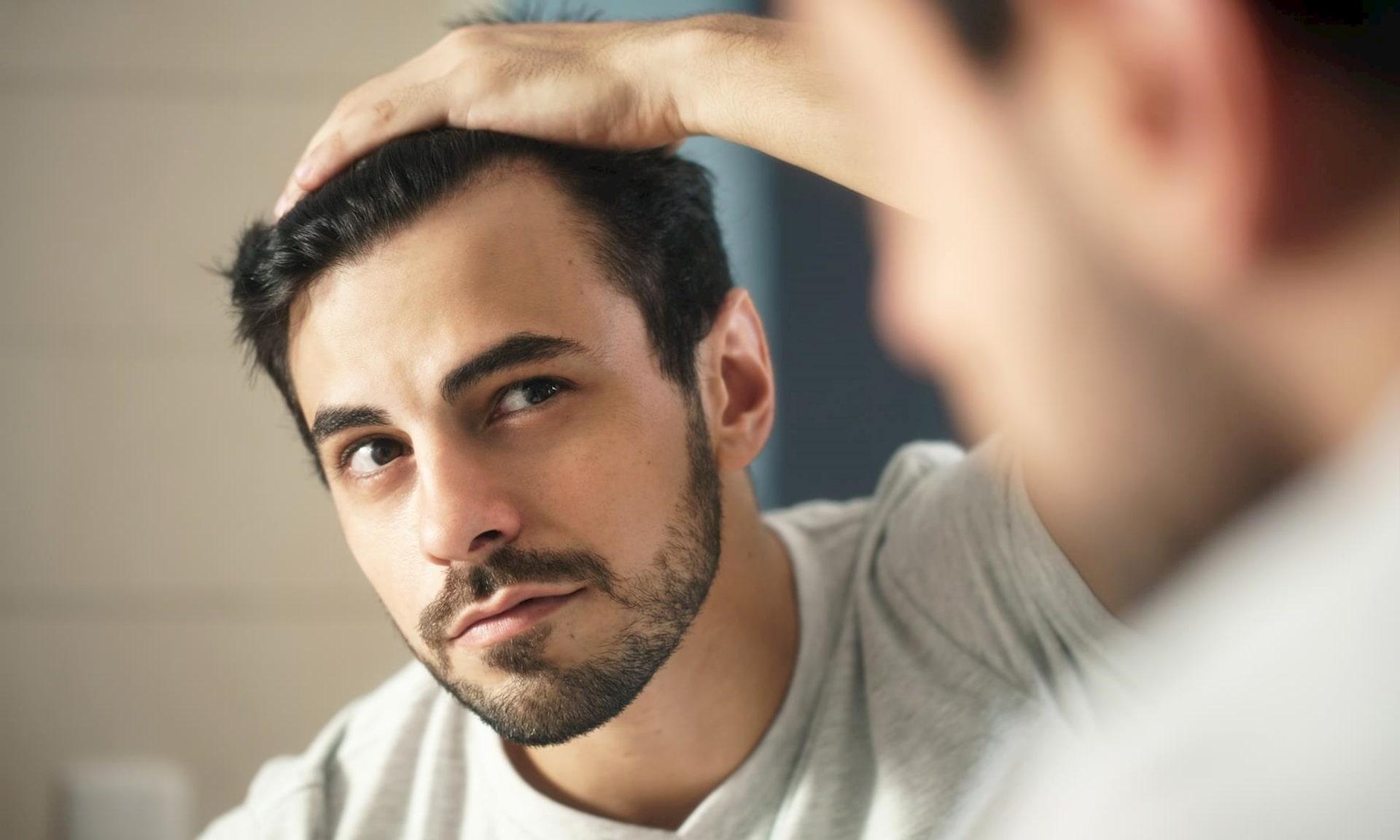 """Keo tạo kiểu """"dỏm"""" chứa cồn khiến tóc bị khô"""
