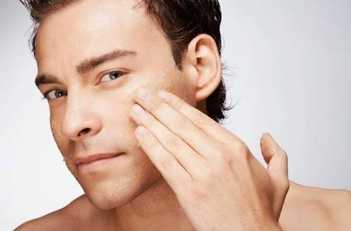 Sữa rửa mặt cho da hỗn hợp giúp cân bằng độ ẩm cần thiết