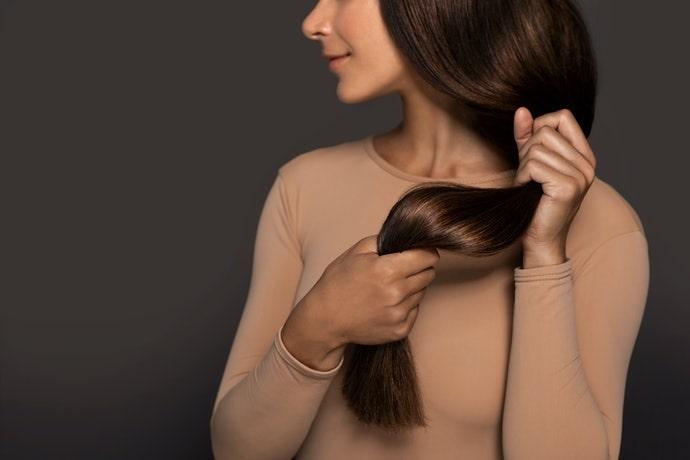 Xịt tóc nào giúp tóc đủ ẩm mà không làm hại tóc?