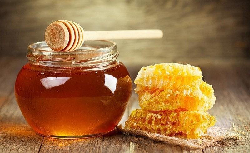 Nên sử dụng mật ong nguyên chất sẽ tốt cho tóc