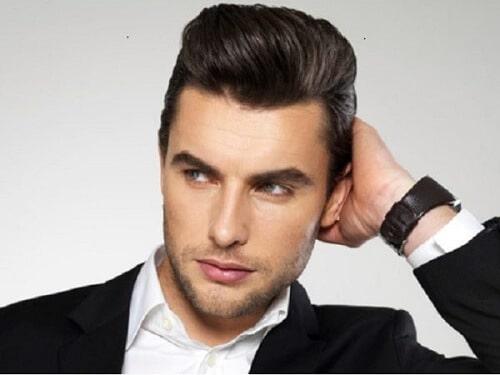 Nam giới nên dùng wax hay gel tạo kiểu tóc?