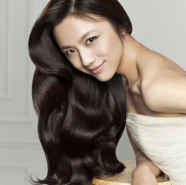 Tóc óng ả sau 2 tuần nhờ 7 cách dưỡng ẩm tóc tại nhà sau