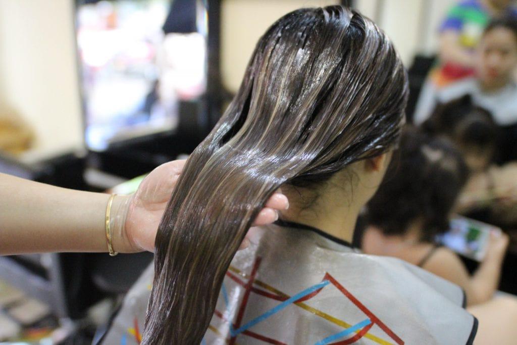 Ủ tóc collagen sẽ giúp khắc phục các vấn đề của tóc